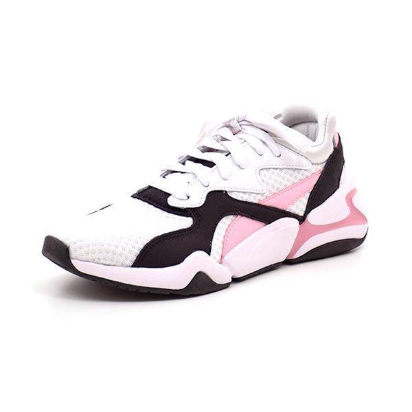 PUMA Nova 901 Bloc sneaker hvid - Super cool sneaker fra Puma i hvid med rosa og sorte flotte detaljer på både siden og på sålen..... Skoen lukkes med snørebånd. Normal pasform.