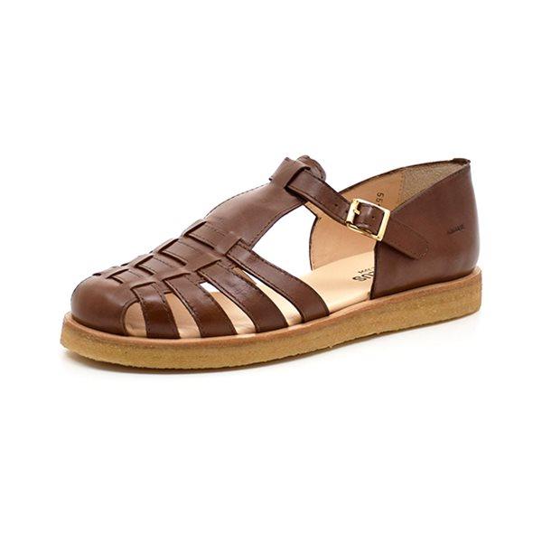 Angulus sandal lukket flet brun - Lækker sandal fra Angulus i blødt brunt skind. Lukkes let med fint spænde på siden. Sidder behageligt fast omkring hælen. God rågummisål. Normal pasform.