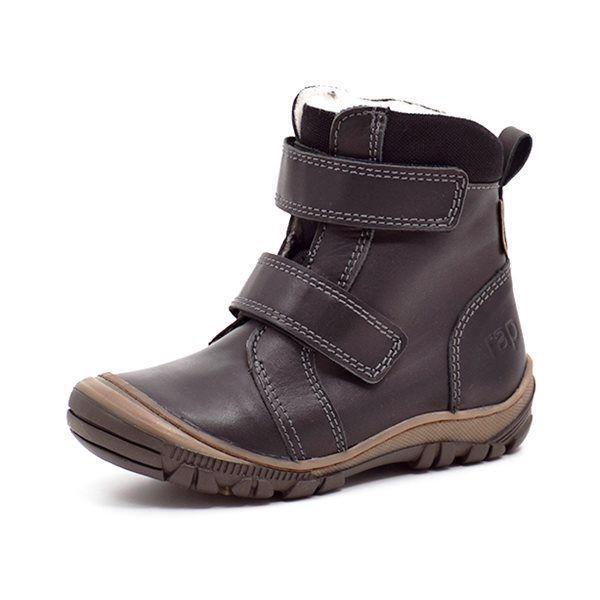 Arauto RAP TEX-støvle m. velcro sort - Lækker vinterstøvle fra Arauto Rap i sort læder med sort mesh omkring støvleskaftet og på pløsen. Lukkes med 2 velcroremme. Støvlen har textilfoer med RapTex membran og en god robust sål, der går op om snuden. Superlækker støvle, der holder dit barns fødd